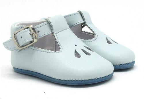 Babychic schoentje lichtblauw maat 16